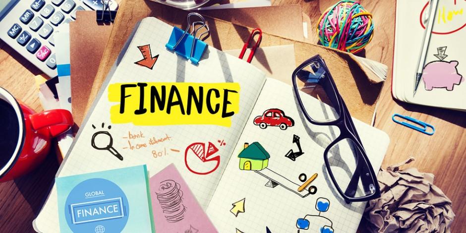 journal on desk financing goals concept