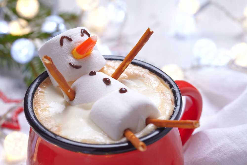 marshmallow snowman in hot cocoa